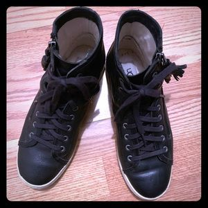 Pre-owned high top Ugg black leather sneakers